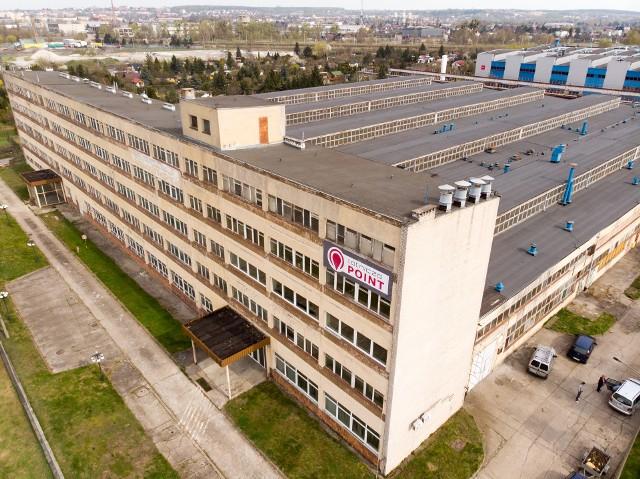 Kiedyś Warma - fabryka produkująca m.in. konstrukcje stalowe, urządzenia okrętowe i urządzenia gastronomiczne. Dziś - Lotnicza POINT - w której będą sale konferencyjne, powierzchnie coworkingowe i... galeria. Nowym właścicielem jest Grzegorz Jarzyński.