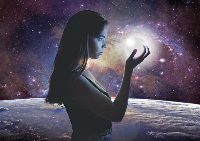 Horoskop na jesień 2021 rok łódzkiej wróżki Bernadetty....