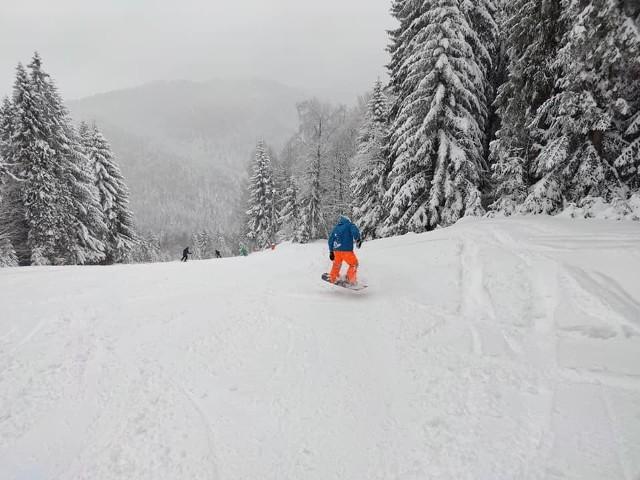 Jedyna działająca stacja narciarska w Polsce? Warunki w Ostoja Koninki są doskonałe, zima powróciła