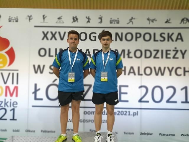 Zawodnicy UKS Junior Miastko reprezentowali drużynowo województwo pomorskie na Mistrzostwach Polski Kadetów w ramach Ogólnopolskiej Olimpiady Młodzieży w Tenisie Stołowym, które odbyły się w Rawie Mazowieckiej.