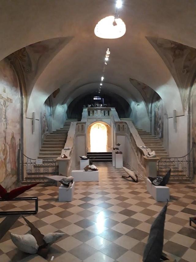 Zakończył się remont konserwatorski w podziemiach krakowskiego kościoła pijarów i w Kolegium Pijarskim. Zabytkowe wnętrza m.in.  przystosowano do funkcji wystawienniczych i kulturalnych (na zdjęciu widoczna wystawa)