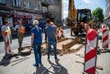 Białystok. Brak wody na Lipowej i Malmeda. Awaria z powodu rozszczelnionej rury (30.07.2020)