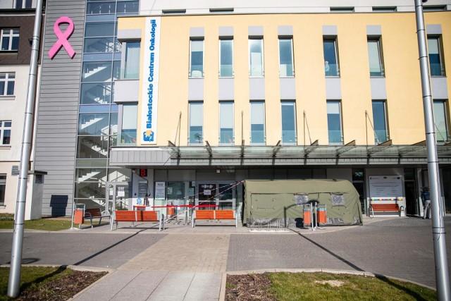 """Białostockie Centrum Onkologii zdobyło certyfikat """"Szpital bez bólu""""."""