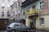 """Łódź XXI wieku: mieszkańcy prawie 9 tys. miejskich lokali żyją bez ubikacji. """"Toaletę mam u sąsiadki, a pranie robię w pracy..."""""""