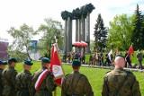 Pomnik Bohaterów Ziemi Białostockiej. Napisy zostają