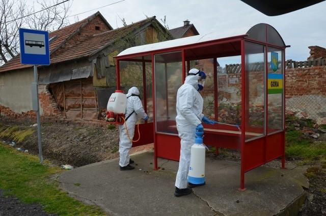W gminie Niemodlin dezynfekują przystanki.