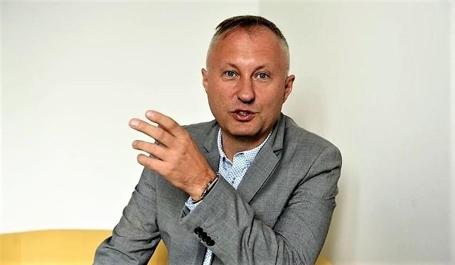 Ludomir Handzel, 45 lat, menadżer