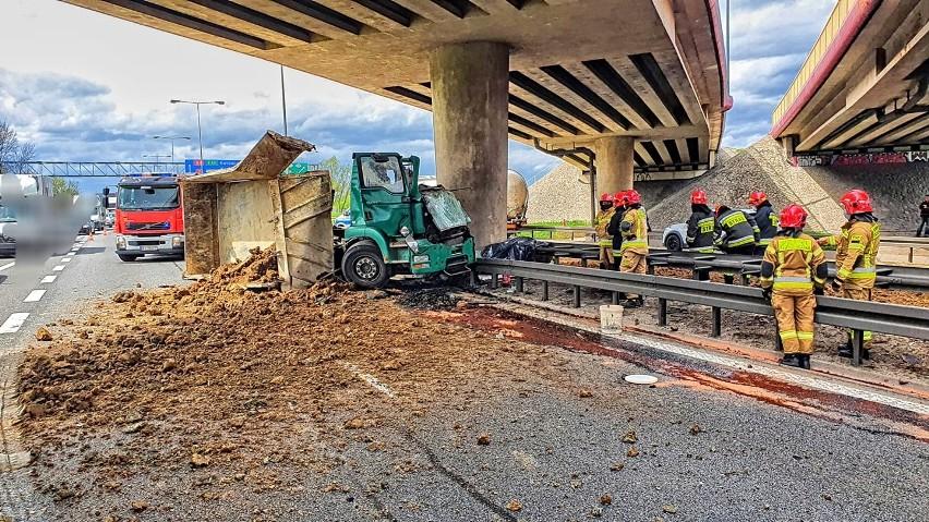 Wypadek śmiertelny na A4 w Krakowie. (05.05.2021)