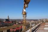 W Cieszynie powstaje lądowisko dla helikopterów na dachu szpitala, tak wygląda plac budowy ZDJĘCIA
