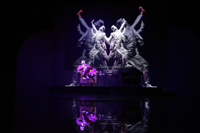 """""""Biesy"""" na scenie Teatru Horzycy"""