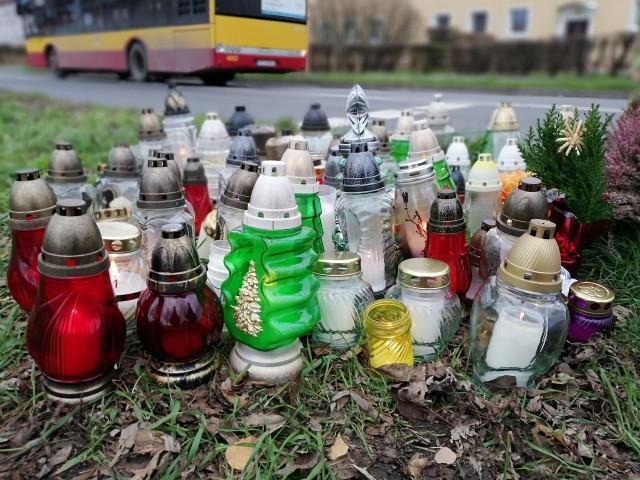 Tragiczny wypadek na skrzyżowaniu ul. Opolskiej i Jesionowej w Poznaniu miał miejsce w czwartek, 28 listopada. 8-latka została śmiertelnie potrącona na przejściu dla pieszych.Przejdź do kolejnego zdjęcia --->