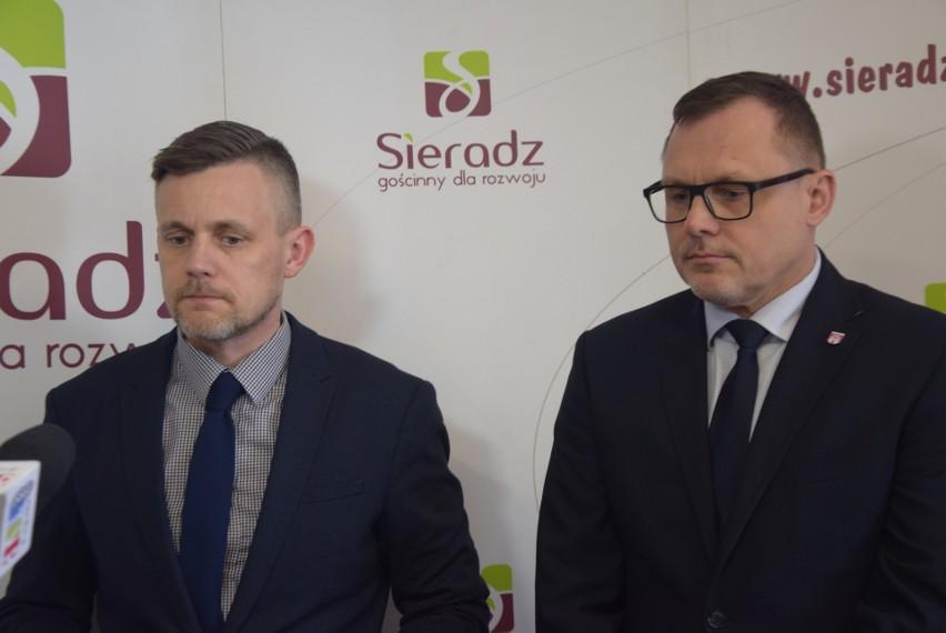 Konferencja prezydenta Sieradza Pawła Osiewały