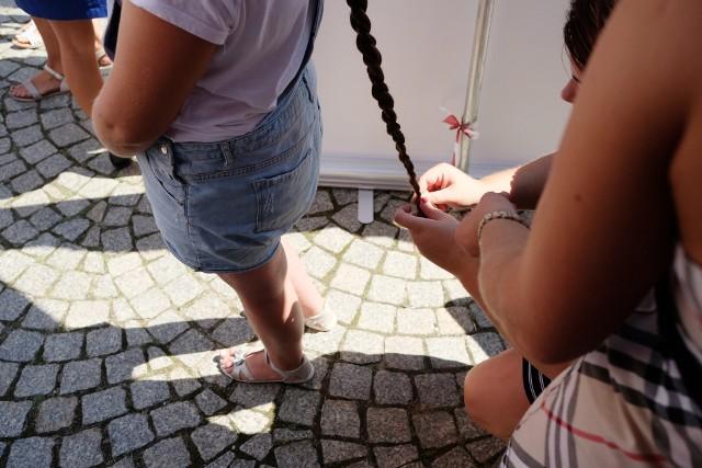 XX Festyn Farny Warkocz Magdaleny odbył się w niedzielę na dziedzińcu Urzędu Miasta. Nie zabrakło konkursu na najdłuższy warkocz.Przejdź do kolejnego zdjęcia --->