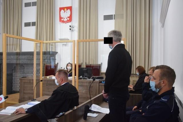 W Kaliszu ruszył proces instruktora nauki jazdy oskarżonego o spowodowanie śmiertelnego wypadku, w którym zginął 14-latek