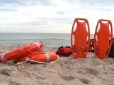 Tragedia na Półwyspie Helskim. Policja bada okoliczności utonięcia 31-latka przy plaży w Chałupach. Plażowicze utworzyli tzw. łańcuch życia