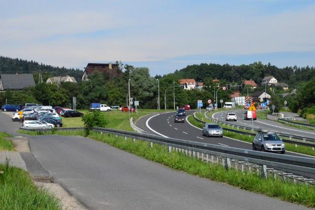 Łącznik ulic Sobieskiego i Sienkiewicza (po lewej, po prawej - zakopianka)