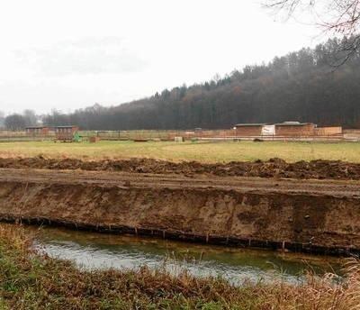 Nielegalnej zabudowy w rezerwacie i otulinie jest coraz więcej Fot. Barbara Ciryt