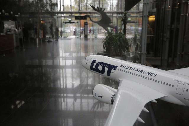 Zgodnie z orzeczeniem Trybunału Sprawiedliwości Unii Europejskiej z 17 kwietnia 2018 r. strajk personelu linii lotniczych nie może być uznany za nadzwyczajną okoliczność, zwalniającą przewoźnika z obowiązku wypłaty odszkodowania.