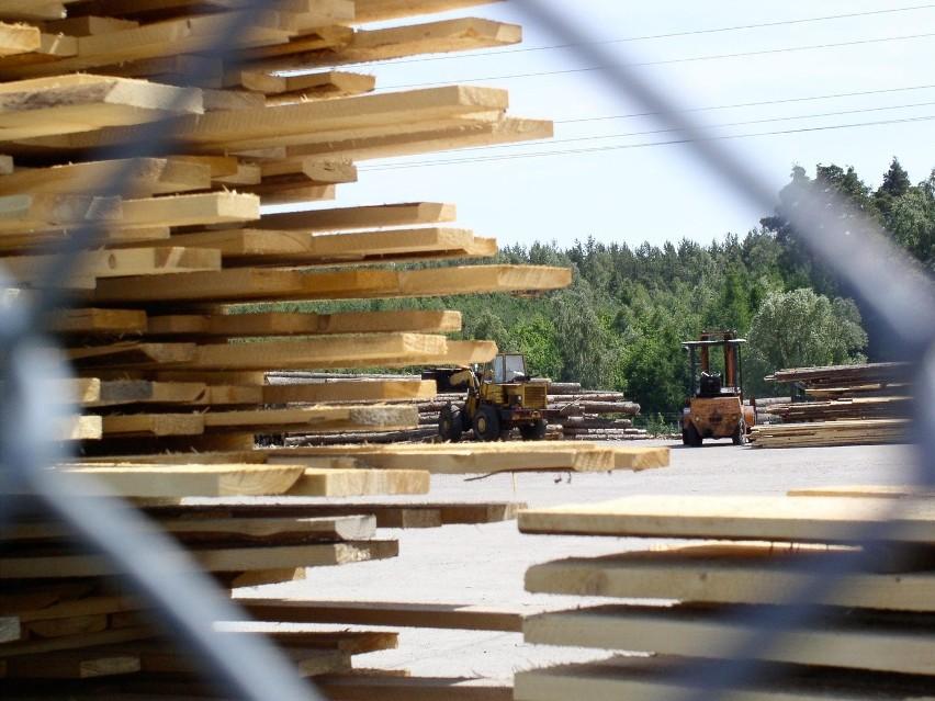 Świdnik: Chcieli ukraść drzewo z tartaku