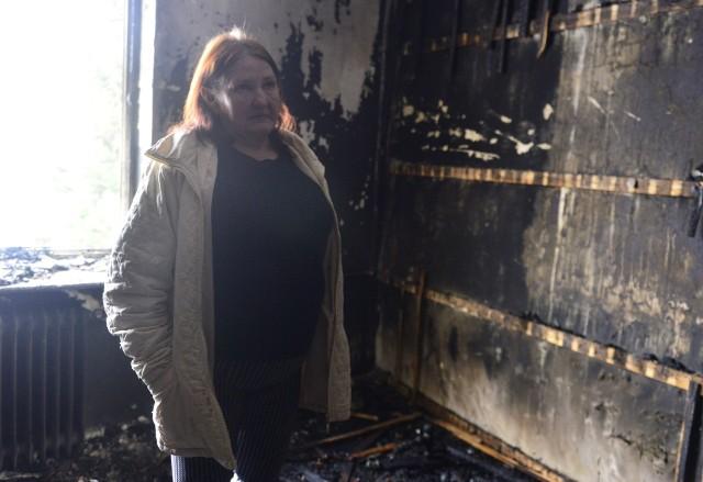 Tragiczny pożar w Dryni w gminie Gielniów. Pani Bożenna straciła w nim męża i syna.
