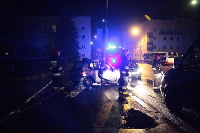 Uderzył w latarnię na Placu Kazimierza w Opolu