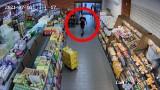 Ukradli kawę za tysiąc złotych w Toruniu. Rozpoznajesz ich? Mamy nagranie z monitoringu