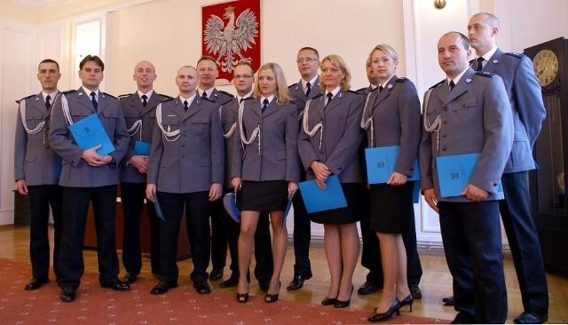 Policjanci, którzy odebrali nominacje oficerskie