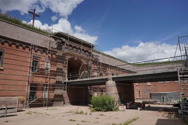 W środę muzeum podpisało umowę z wykonawcą II etapu prac na kwotę blisko 10 mln zł. Ma on się rozpocząć w przyszłym roku, z kolei zakończenie robót planowane jest na marzec 2022 r.Przejdź do następnego zdjęcia ----->