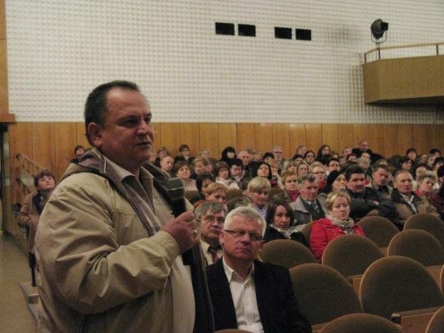 Pracownicy miasteckiego pionu Szpitala Powiatu Bytowskiego na spotkaniach z burmistrzem Miastka podtrzymali chęć utworzenia spółki pracowniczej i przejęcia prowadzenia lecznicy.