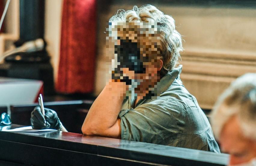 Bożenie W. grozi do 10 lat więzienia. Jest oskarżona o udział w wyłudzaniu kredytów i leasingów