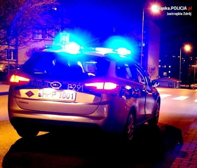 Jastrzębscy policjanci zainteresowali się 33-latkiem, gdyż ten dziwnie się zachowywał.