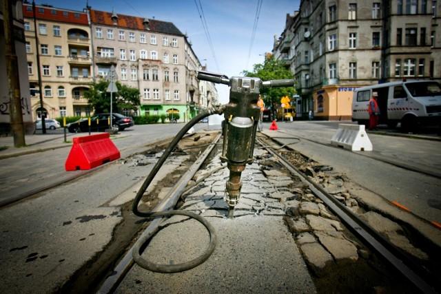 Wakacyjny remont torowiska na ul. Nowowiejskiej