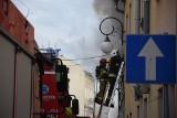 Pożar kamienicy w Głuchołazach. Ewakuowano lokatorów z 11 mieszkań