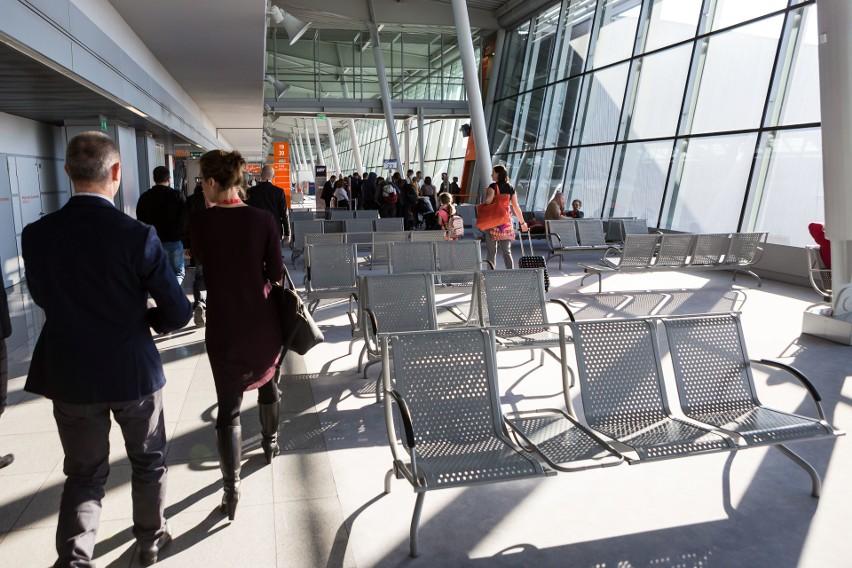 Lotnisko Chopina obsługuje blisko 38 proc. ruchu...