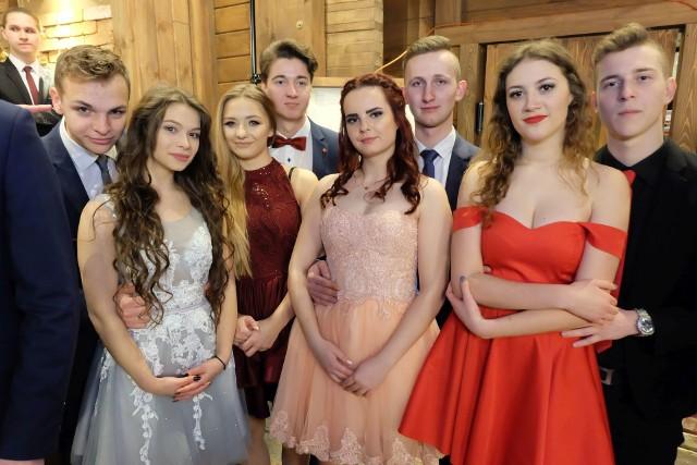 VIII Liceum Ogólnokształcące w Białymstoku obchodziło swoją studniówkę w Restauracji Camelot.