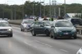 Wypadek trzech aut na moście Milenijnym [ZDJĘCIA]