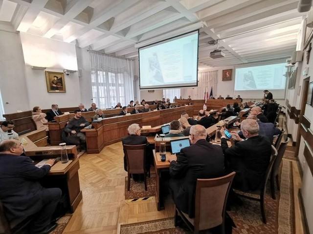 Wtorkowa nadzwyczajna sesja Rady Miasta Lublin trwała prawie 13 godzin