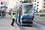 Wypadek dwóch tramwajów we Wrocławiu. Wozy MPK zderzyły się na Armii Krajowej (ZDJĘCIA)