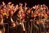 Sobel zagrał na Lubuskim Lecie Kulturalnym. Tysiące ludzi oglądało koncert na plaży w Dąbiu! Zobaczcie zdjęcia!