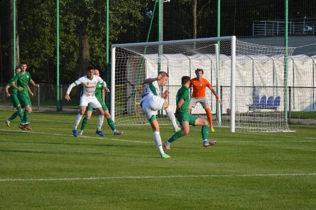 Piłkarze Sokoła podejmą dziś KS Kutno