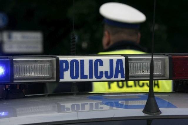 Śmiertelny wypadek w miejscowości Kozłowo, niedaleko Gniezna. Zginął kierowca auta
