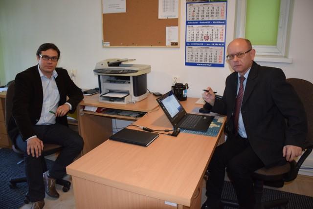 Z lewej Tomasz Stoltmann. Do niedawna pracownik komórki kontroli, a dziś sekretarz. Obok Krzysztof Górski