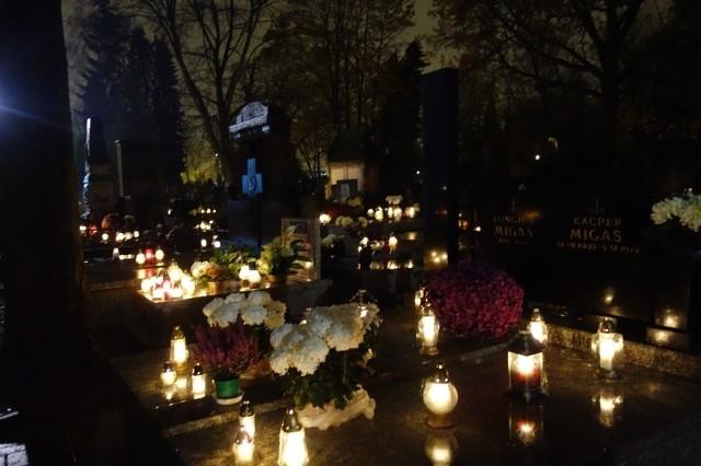 Cmentarza przy ul. Ogrodowej po zmroku ma pilnować dwóch ochroniarzy.