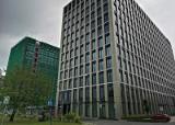 Kraków. Przy al. Jana Pawła II powstaje ogromny kompleks biurowy Podium Park [ZDJĘCIA]