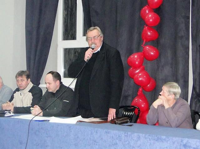 Prezes Unii Wojciech Ćwikła przyznał się do nieudolnego kierowania klubem.