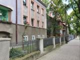 Agencja Mienia Wojskowego sprzedaje nieruchomości w woj. śląskim. Do kupienia mieszkania, działki, lokale usługowe i garaże CENY + ZDJĘCIA