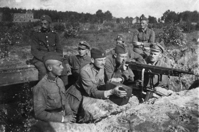 Stanowisko karabinu maszynowego Colt-Browning w 1895. Polska pozycja pod Miłosną, wieś  Janki, sierpień 1920 r.