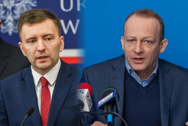 Minister Łukasz Schreiber z PiS (z lewej) oraz poseł Paweł Olszewski z PO (z prawej).