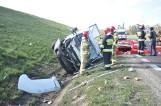 Śrem: Wypadek samochodu dostawczego na obwodnicy miasta - po drodze rozsypały się kiełbasy i szynki [ZDJĘCIA]