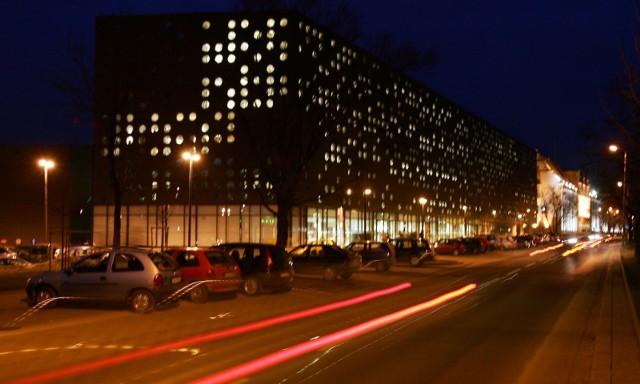 Budynki Politechniki Wrocławskiej, tzw. serowiec oraz gmach główny